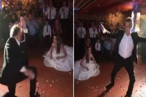 Το ζεϊμπέκικο του μερακλή πατέρα στον γάμο της νύφης κόρης του που τον έκανε διάσημο στο ελληνικό διαδίκτυο!
