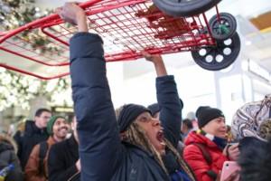 Ούτε τηλεοράσεις, ούτε κινητά: Αυτή είναι η ηλεκτρική συσκευή που σάρωσε την Black Friday
