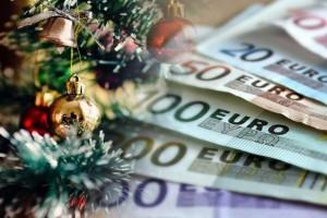 Δώρο Χριστουγέννων 2020: Πότε θα γίνει η καταβολή του - Πως θα το υπολογίσετε