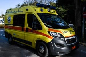 """Ατύχημα στο Ηράκλειο: Άντρας """"καρφώθηκε"""" σε σιδερόβεργα"""