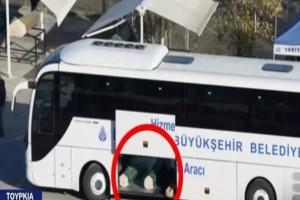 Στοιβαγμένα φέρετρα με θύματα του κορωνοϊού - Σοκάρουν οι εικόνες από την Τουρκία (Video)