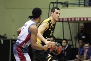 Basket League: Έδειξε την δύναμη της η ΑΕΚ -  Πέρασε με 20 πόντους διαφορά το Μεσολόγγι