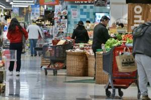 «Πόλεμος» στα ελληνικά σούπερ μάρκετ: Η κίνηση που έφερε αναταραχή στην αγορά