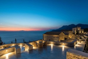 Ένας παραμυθένιος ξενώνας στην Αρεόπολη με βαθμολογία Άριστα 10 από τον Τάσο Δούση!