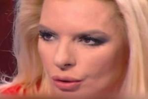 """ΣΟΚ: Ομαδικό απαγορευμένο με """"πρωταγωνίστρια"""" την Αννίτα Πάνια - Δες το ΒΙΝΤΕΟ"""