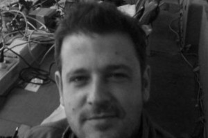 Σοκ: Νεκρός ο εκδότης Κώστας Δημάκης