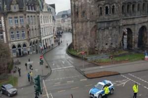Συναγερμός στη Γερμανία: Αυτοκίνητο έπεσε πάνω σε πεζούς - Δύο νεκροί, αρκετοί τραυματίες