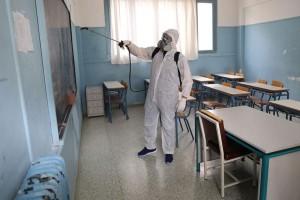 Κορωνοϊός: Απαραίτητη η μείωση του συνωστισμού έξω από τα σχολεία - Αυξημένοι οι αριθμοί των κρουσμάτων