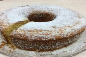 Πεντανόστιμο και αφράτο κέικ χωρίς αυγά, βούτυρο και γάλα - Θα το λατρέψετε