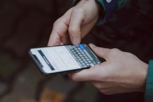 Οι 5 εφαρμογές που πρέπει να έχετε στο smartphone σας στο lockdown