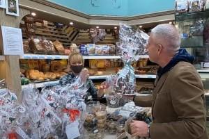 Ο Τάσος Δούσης μας παρουσιάζει το ιταλικό πανετόνε που λατρεύει όλη η Ελλάδα