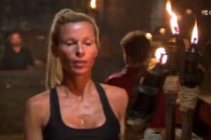 Survivor: Τραγική Ασημίνα - Δεν χαιρέτισε τους συμπαίκτες της φεύγοντας αλλά τους... αντιπάλους! (video)