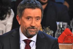 """Σπύρος Παπαδόπουλος: Ο ΣΚΑΪ παίζει το τελευταίο χαρτί για να μην κοπεί το """"Στην υγειά μας ρε παιδιά"""""""