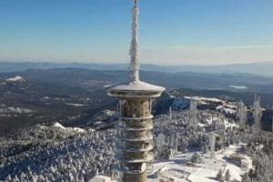 Κακοκαιρία «Λέανδρος»: Τα χιόνια έφεραν… διακοπή κυκλοφορίας σε Πάρνηθα και Υμηττό