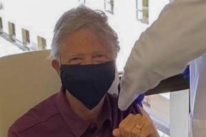 Έκανε το εμβόλιο για τον κορωνοϊό ο Μπιλ Γκέιτς!