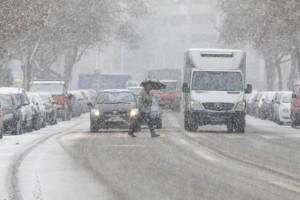 Χιόνια σε Αττική και Θεσσαλονίκη, προσοχή στο Αιγαίο. Νέο κύμα κακοκαιρίας το Σαββατοκύριακο