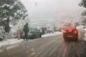 Σε εξέλιξη το νέο κύμα κακοκαιρίας: Χιόνια και σε χαμηλό υψόμετρο
