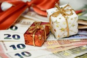 Δώρο Χριστουγέννων: Πότε πληρώνονται οι δικαιούχοι για τις αναστολές Δεκεμβρίου