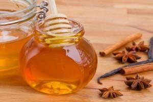 Κανέλα και μέλι: Όλες οι θεραπευτικές ιδιότητές τους
