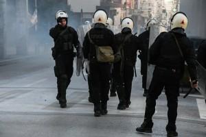 Συναγερμός στην Πάτρα: Εντάσεις και επεισόδια στη συγκέντρωση για τον Δημήτρη Κουφοντίνα - Μπαράζ συλλήψεων
