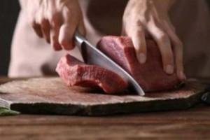 Πώς να ξεπαγώσετε το κρέας σε 10-15 λεπτά! (Video)