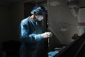 Κορωνοϊός: 334 κρούσματα και 24 θάνατοι σε 24 ώρες - 288 διασωληνωμένοι