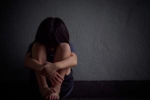 Κρήτη: Μητέρα συνελήφθη μετά από καταγγελία της ανήλικης κόρης της για ξυλοδαρμό