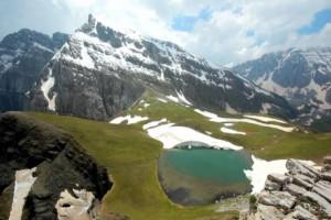 Ήπειρος: Σας παρουσιάζουμε την εντυπωσιακή αλπική Δρακόλιμνη σε ένα βίντεο και 5 σημεία απαράμιλλης ομορφιάς του τόπου τον χειμώνα!