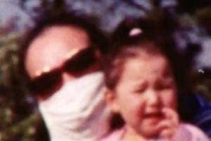 Μητέρα φορούσε μάσκα για 12 χρόνια - Όταν την έβγαλε αποκαλύφθηκε κάτι σοκαριστικό για τον άντρα της (photo)