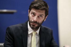 Νικόλας Γιατρομανωλάκης: Ο πρώτος ανοιχτά γκέι υπουργός της Ελλάδας