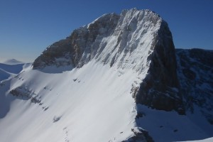 Συναγερμός στον Όλυμπο: Ώρες αγωνίας για δύο αγνοούμενους ορειβάτες μετά από χιονοστιβάδα