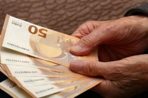 Συντάξεις Φεβρουαρίου: Ξεκινούν από σήμερα οι πληρωμές