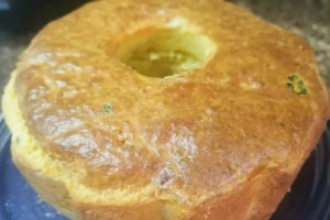 Σπιτική τυρόπιτα με χαλούμι - Η τέλεια συνταγή