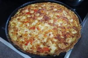 Λαχταριστή αλμυρή τάρτα με κοτόπουλο, πιπεριές, τυρί και κρεμά γάλακτος!