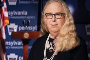 Ρέιτσελ Λεβίν: Αυτή είναι η πρώτη τρανς Υπουργός των ΗΠΑ!