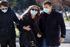 """Σήφης Βαλυράκης: Σπαραγμός και θλίψη στο """"τελευταίο αντίο"""" του πρώην υπουργού"""