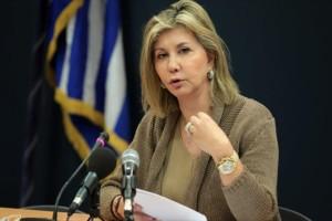 """Σοφία Μπεκατώρου: """"Ύψωσε"""" την φωνή της η υφυπουργός Παιδείας -  «Η σωστή ερώτηση είναι """"γιατί το έζησε, τότε""""»"""