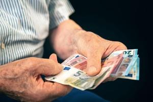 Συντάξεις Μαρτίου: Αρχίζουν σήμερα οι πληρωμές - Αναλυτικά οι ημερομηνίες για όλα τα Ταμεία