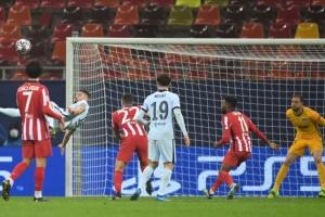 Champions League: «Σίφουνας» Μπάγερν, απόδραση για Τσέλσι με γκολάρα του Ζιρού