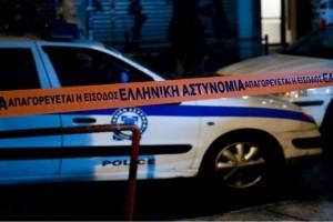 Σοκ στη Καλλιθέα: Mαχαίρωσε την 30χρονη κόρη της μπροστά στα εγγόνια (Video)