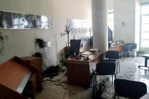 Η αλητεία συνεχίζεται: Επίθεση στο γραφείο του Αυγενάκη από οπαδούς του Κουφοντίνα