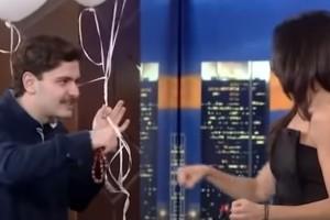 """Δεν την κάλεσε στο πάρτι αλλά της... πήρε μπαλόνια: Ο """"Ρε Ματζόρε"""" συναντάει για πρώτη φορά την Ανθή Βούλγαρη μετά το viral βίντεο!"""