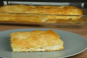 Γρήγορη τυρόπιτα με γιαούρτι και φέτα (Video)