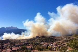 Φωτιά στο Καρπενήσι - Κοντά σε ξενοδοχείο