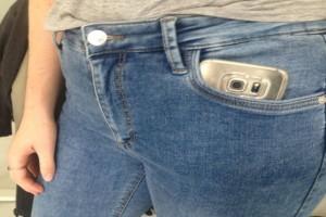"""""""Πάντα έβαζα το κινητό μου στην πλάγια τσέπη του παντελονιού μου μέχρι που διάβασα αυτό και με έπιασε τρόμος…"""""""