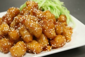 Ξεχάστε το κινέζικο απ' έξω - Με αυτή τη συνταγή θα φτιάξετε το καλύτερο κοτόπουλο με μέλι εντελώς μόνοι σας