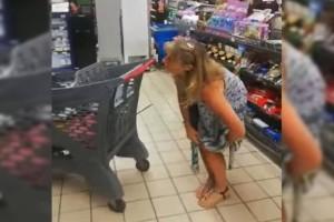 Απίστευτες εικόνες: Έβγαλε το εσώρουχό της μέσα σε σούπερ μάρκετ και το έκανε... μάσκα! (Video)