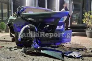 Μεθυσμένος οδηγός σκόρπισε τον τρόμο στη Λαμία – Έριξε παρκαρισμένο ΙΧ σε καφετέρια