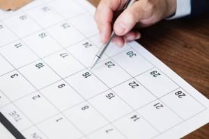 Αυξάνονται οι υποχρεωτικές αργίες μέσα στο χρόνο: Από 5 γίνονται 8