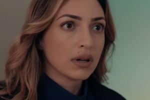 8 Λέξεις: Η Μάγδα πιάνει στα πράσα τον Αιμίλιο με την Ελισάβετ
